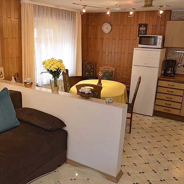 Zusätzlicher Wohn-/Schlafbereich mit Küche