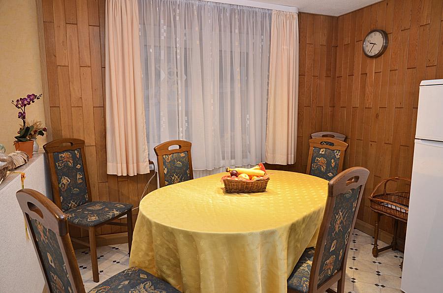 Essbereich neben Küche im Erdgeschoss, Gästehaus Hanß